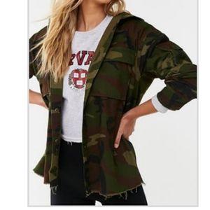 NWT Forever21 Long Sleeve Camo Jacket